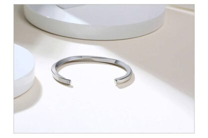 Csavart nemesacél karperec - 4mm vastag - ezüst színben_kk110