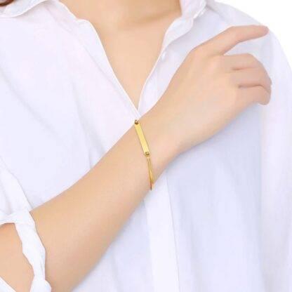 Gravírozható női nemesacél karperec - arany színben2